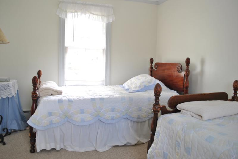 MacKenzie Guest House Beds
